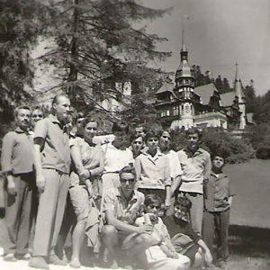 1963 - 24 Iulie - Vizita la Peles in timpul practicii de vara cu grupa anului 3 pictura la Campina
